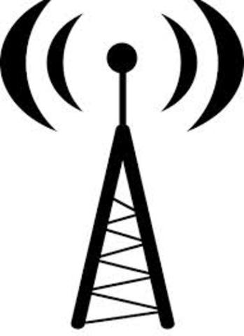 1927 – Federal Radio Act sets up commission to regulate airwaves