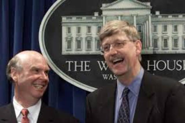En un día que el presidente Clinton califica de histórico, Venter y Collins aparcan sus diferencias y anuncian que se ha logrado el primer borrador del genoma humano secuenciado.
