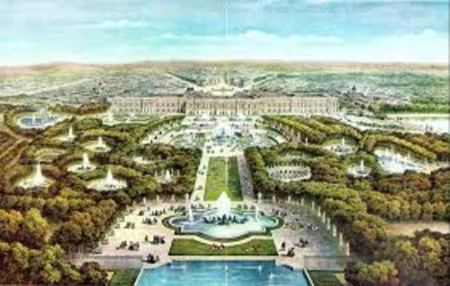 The Royal Court is moved to Versailles