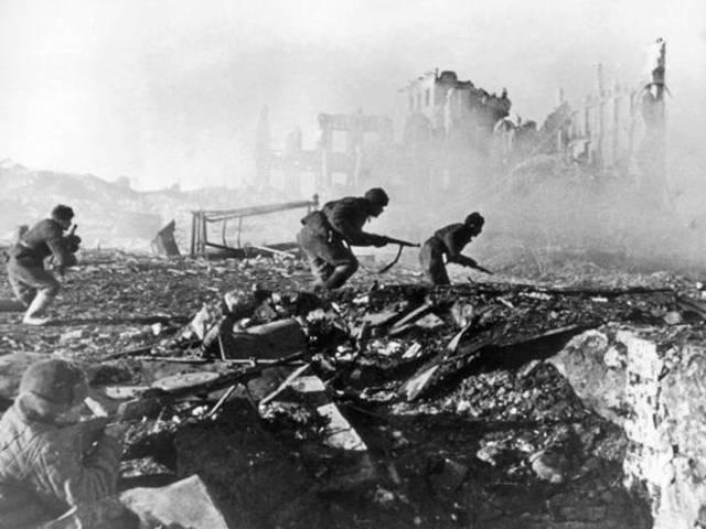 Battle of Stalingrad ends