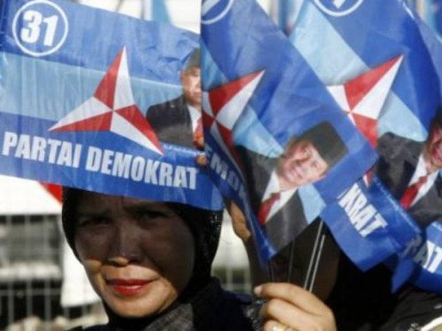 The Partido Democratico is founded in Chile