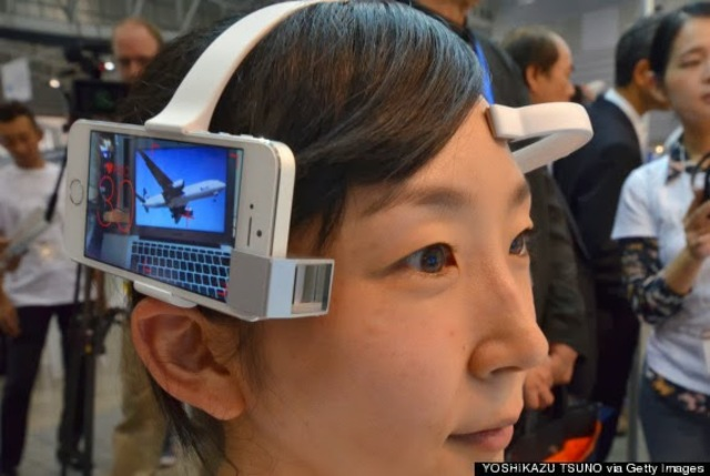 A mind-reading camera that makes life GIF-able.
