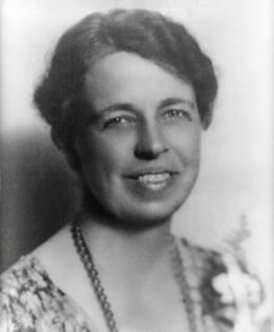 """Eleanor Roosevelt insists on women-only press conferences (""""the Roosevelt Rule"""")"""