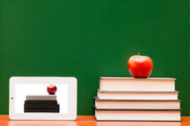 Formação inicial e continudada de professores da rede pública.