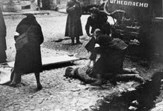 Gerrmany takes Leningrad
