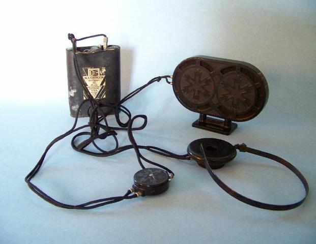 Vacuum Tube Hearing Aid is Invented