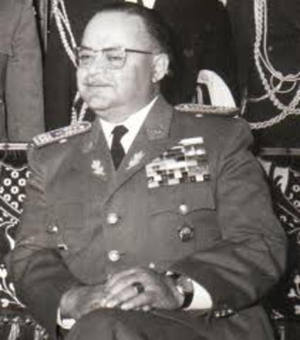 Rodríguez Lara retomó la Constitución de 1945.
