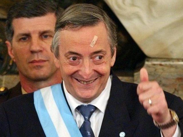 Asume como presidente Nestor Kirchner