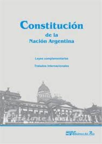 Se Sanciona La Constitución.