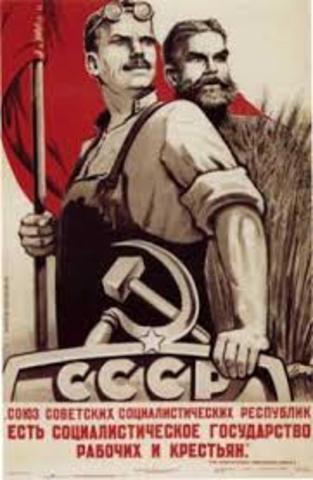 Los Soviets se hacen con el poder