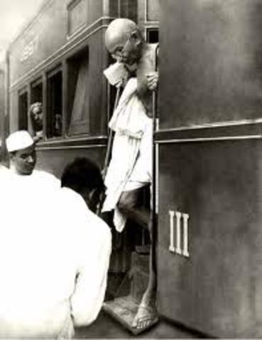 Gandhi Kicked Out of the Train