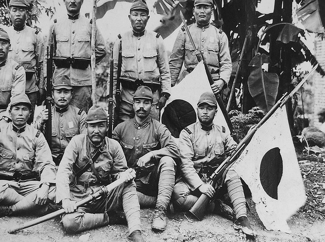 Japanese invade Singapore.