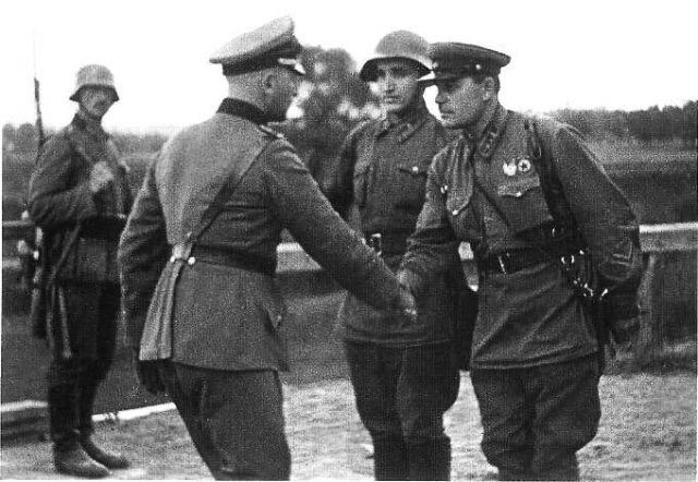 France and Great Britain guarantee the integrity of the borders of the Polish state.