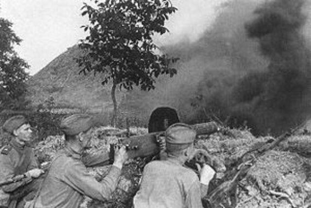 he Germans launch a massive tank offensive near Kursk