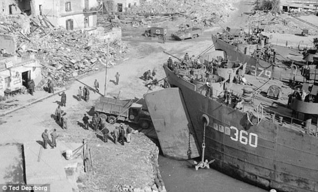 Allied troops land successfully near Anzio