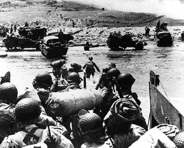 British and US troops successfully land on the Normandy beaches