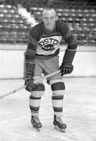 Eddie Shore joins the Bruins