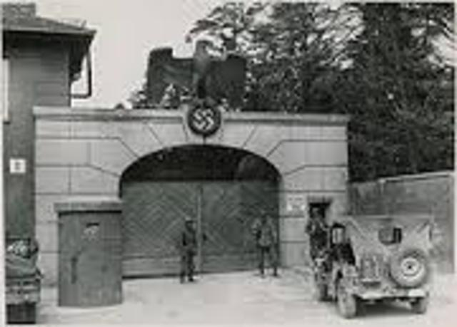 SS opens the Dachau concentration camp outside of Munich