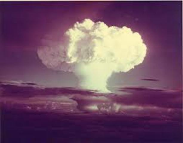 US explodes first thermonuclear bomb