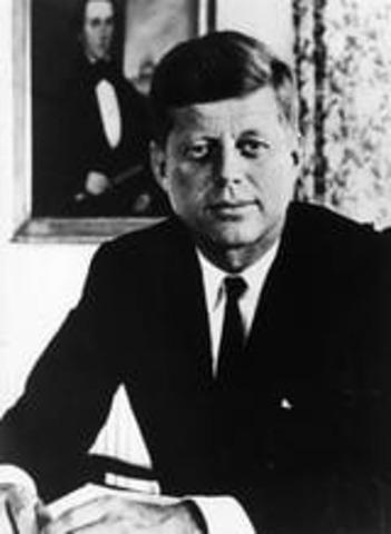 """JFK Gives """"Man on the Moon"""" Speech"""