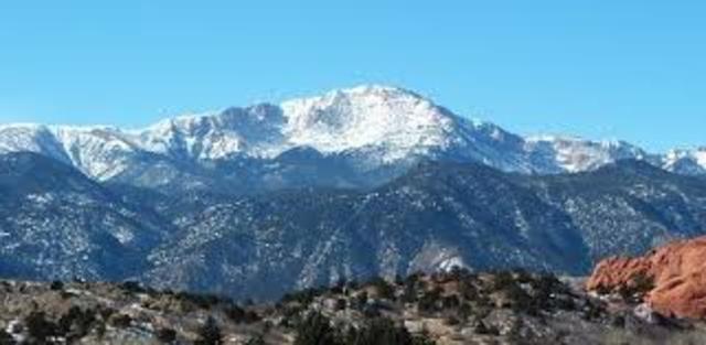 Yo ascendí Pike's Peak en Colorado en ocho de julió dos mil y doce.