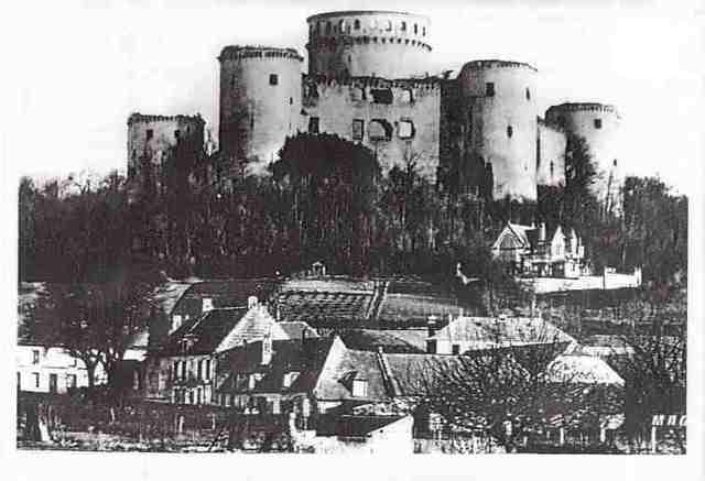 Beginning of the construction of Eppes Castle