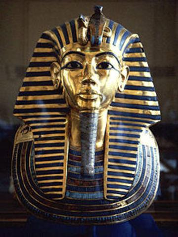 king tuts mask 1332 BC – 1323 BC