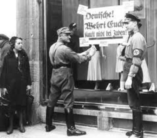 Himmler issues a decree halting all Jewish emigration from greater Germany.