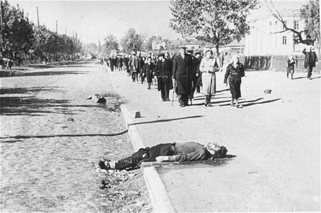 Einsatzgruppen shoot about 34,000 Jews at Babi Yar, outside Kiev, Ukraine (USSR)