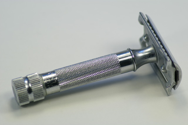 The first double-edged safety razor