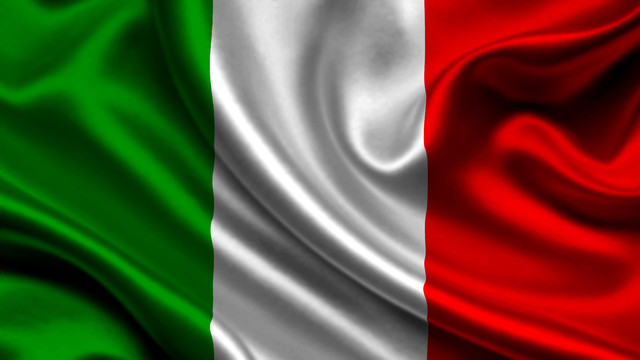 Italy enters the war on the side of the Triple Entente