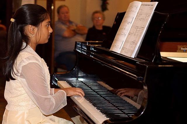 Piano Christmas recital at Winfrey Hotel