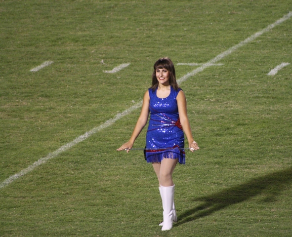 Actué un partido fútbol americano de escuela secundaria el seis de sepitembre, dos mil trece.