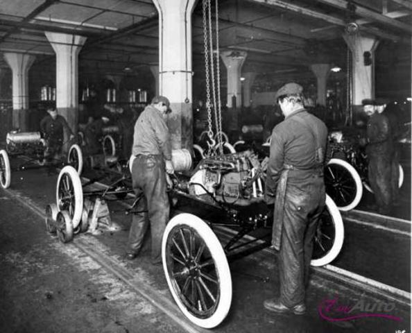 Cadena de muntatge a la fabrica Ford