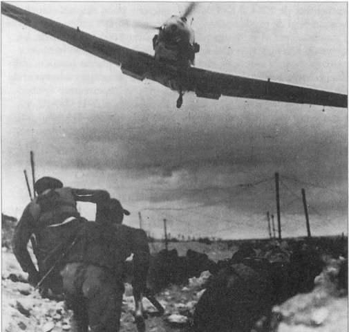 Arriben els primers avions envias per Italia i Alemanya
