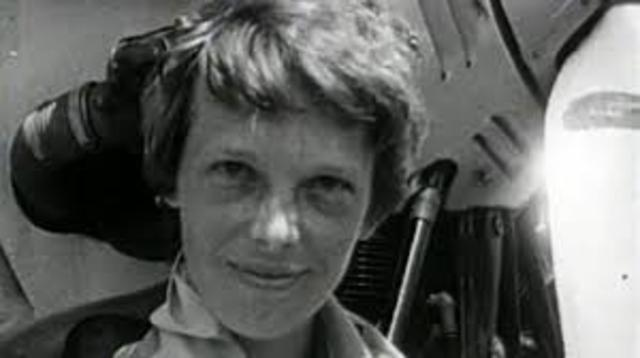Amelia Erhart goes missing