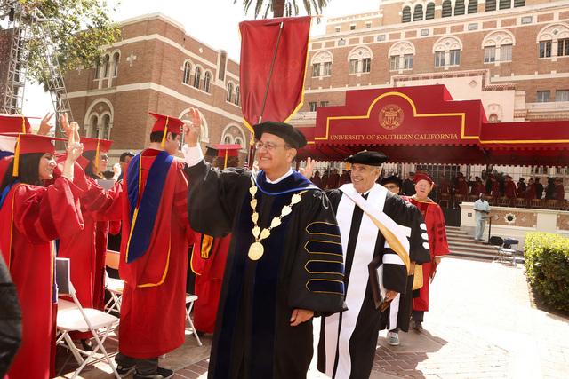 Recibí Mi Maestría de USC
