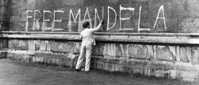 Mandela Arrested on Treason Charges