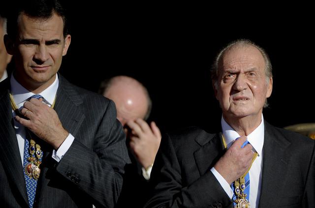 Abdica el rey Juan Carlos