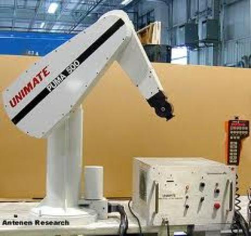 Se introdujo el robot PUMA