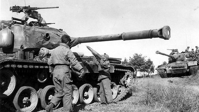 Japan declares war on Germany.