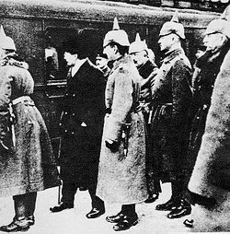 The armistice between the new Russian government and the Central Powers goes into effect.
