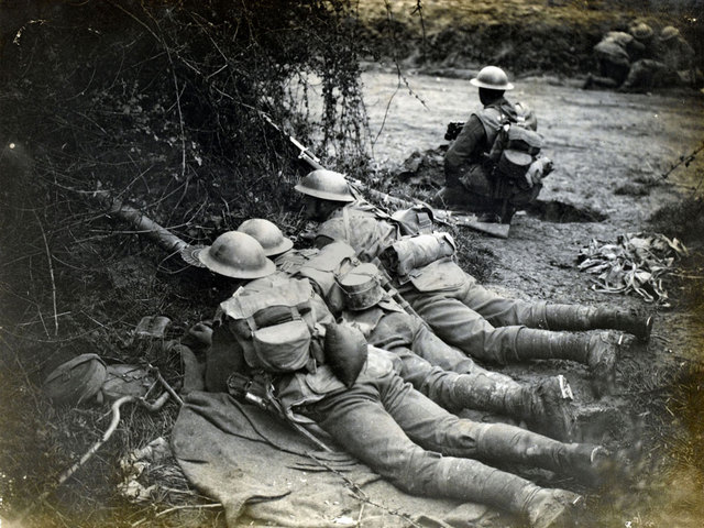 France launched an unsuccessful offensive on the Western Front