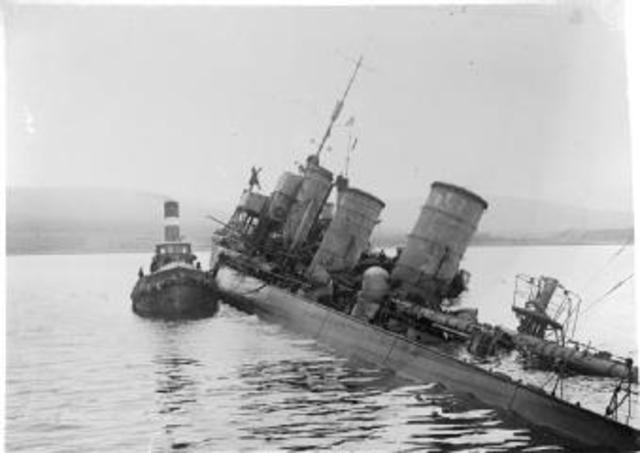 The surrendered German naval fleet at Scapa Flow was scuttled.