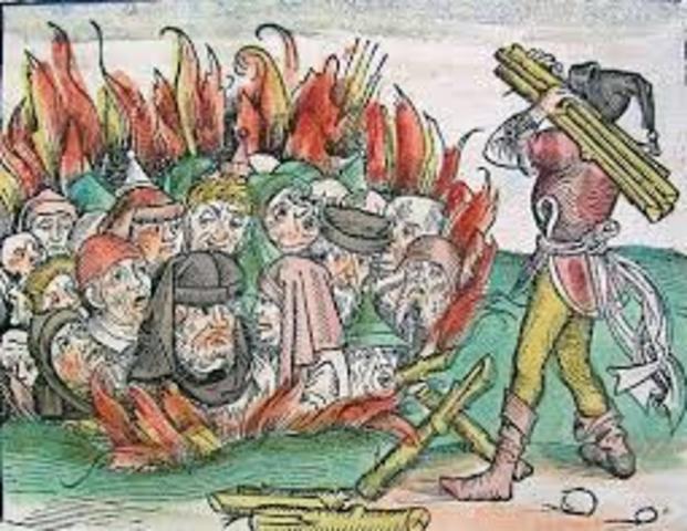 40 jews were burnt to death