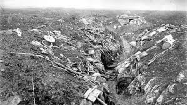 Australian soldiers in action at Pozieres, France.