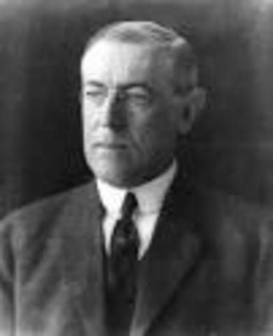 President Wilson Launches a Nationwide Whistle-Stop Campaign