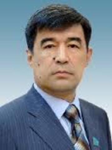 С 15 марта 2001 года акимом Шымкента был назначен Болат Абжаппарович Жылкышиев