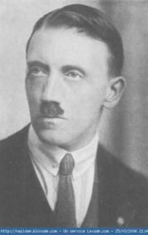 Hitler quitte sa ville