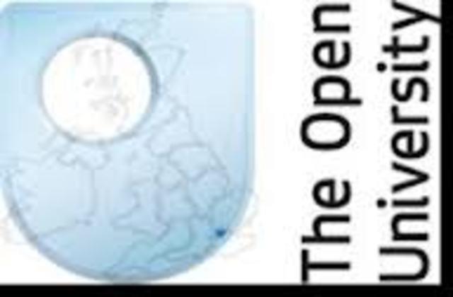 Creacion de la Open University Británica